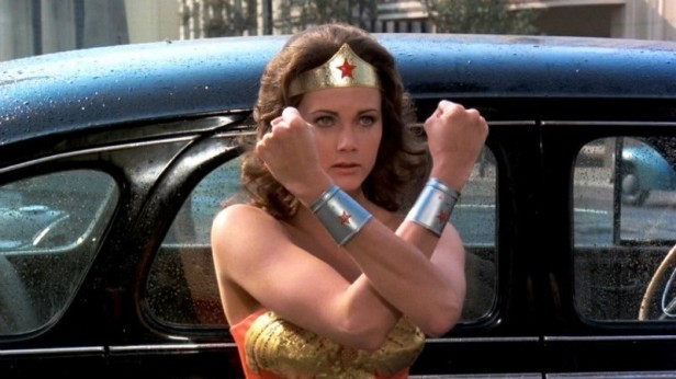 Lynda-Carter-in-Wonder-Woman-LARGE-e1462891784584.jpg